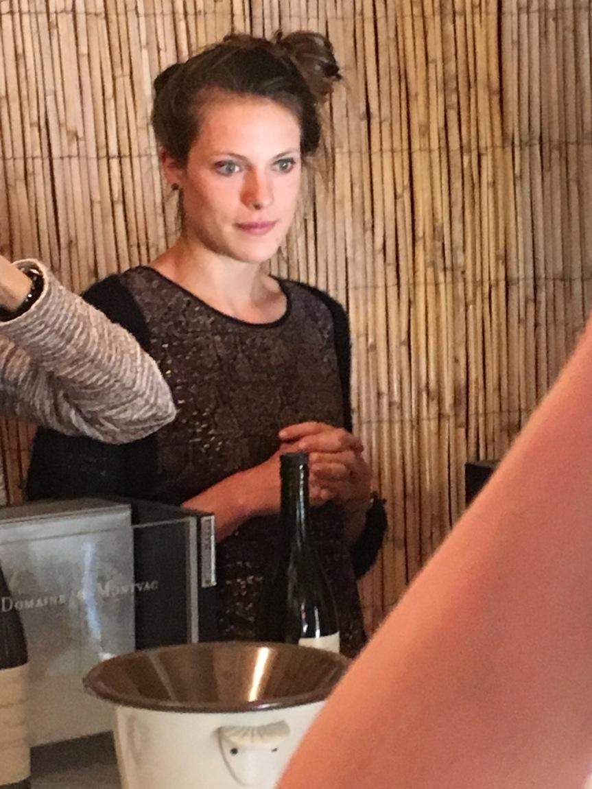 jeune femme at wine tasting