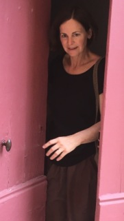 Linda pink door
