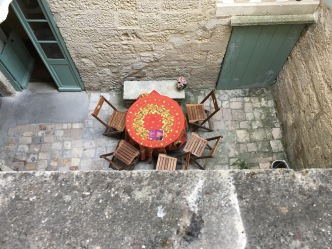 Uzes Window