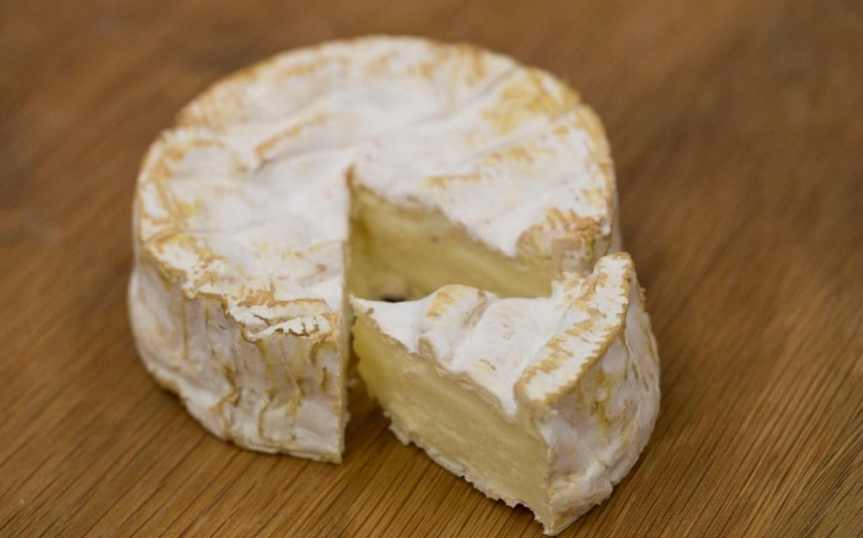 French fraud squad dragged into war over 'real Camembert'