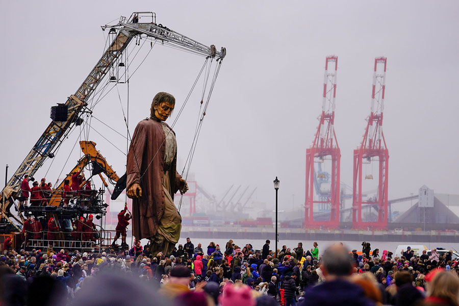 Giant Puppets of Royal de Luxe