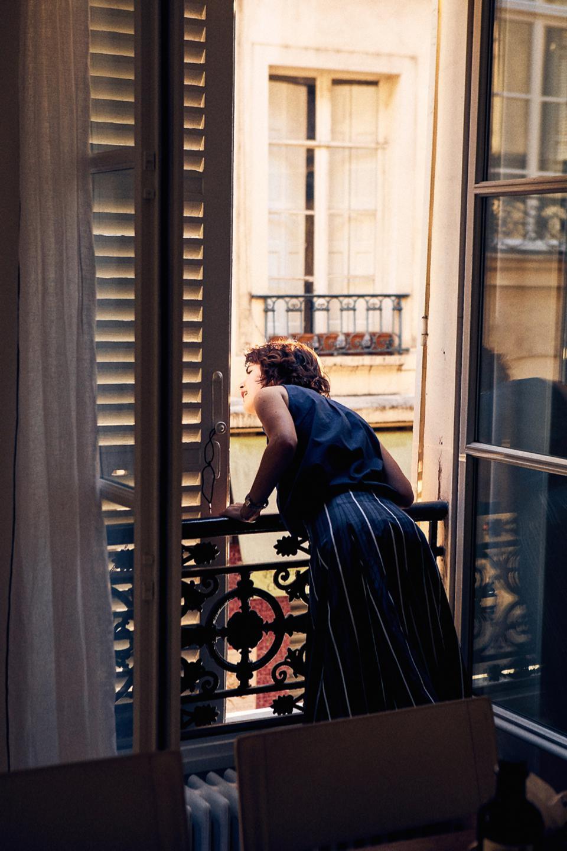 Paris Chic, Paris window
